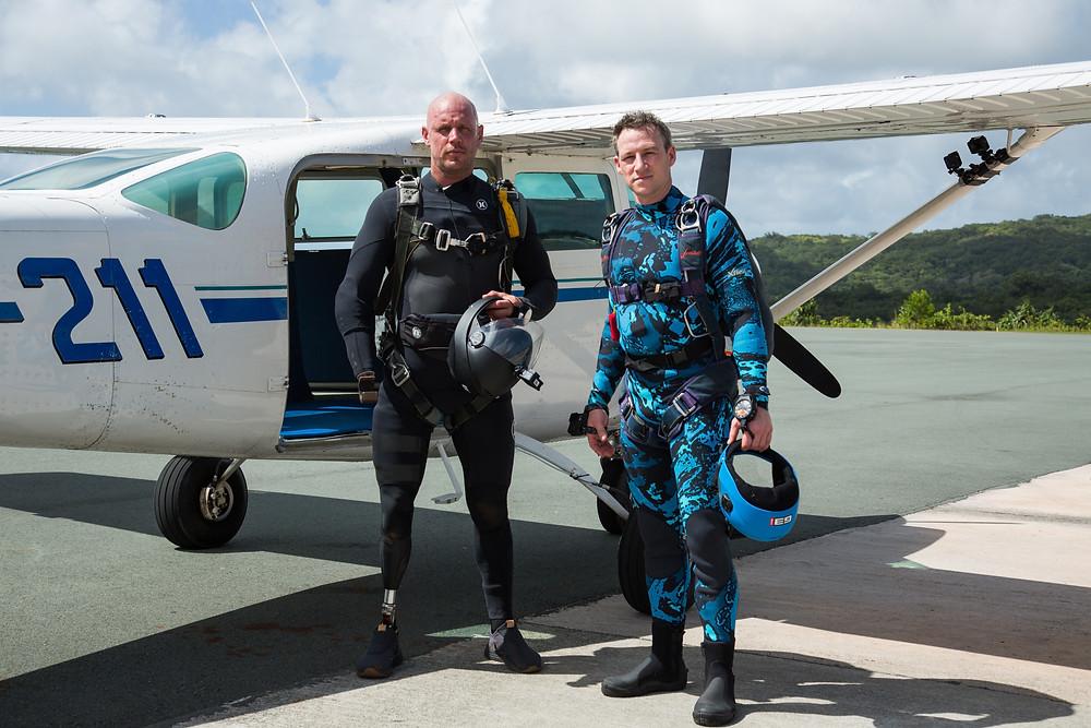 Pre-skydive into the Pacific Ocean with Paul de Gelder and James Glancy