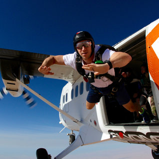 James Glancy Skydiving. Dubai