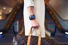 Senhora elegante no Aeroporto