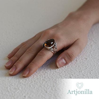 anillo con ambar