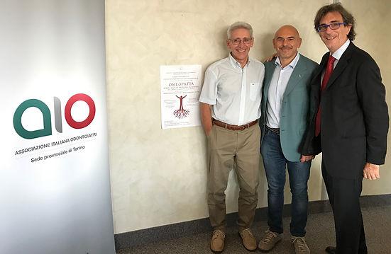 L'Associazione Italiana Odontoiatri ha organizzato un corso dedicato all'Omeopatia e alla Dentosofia