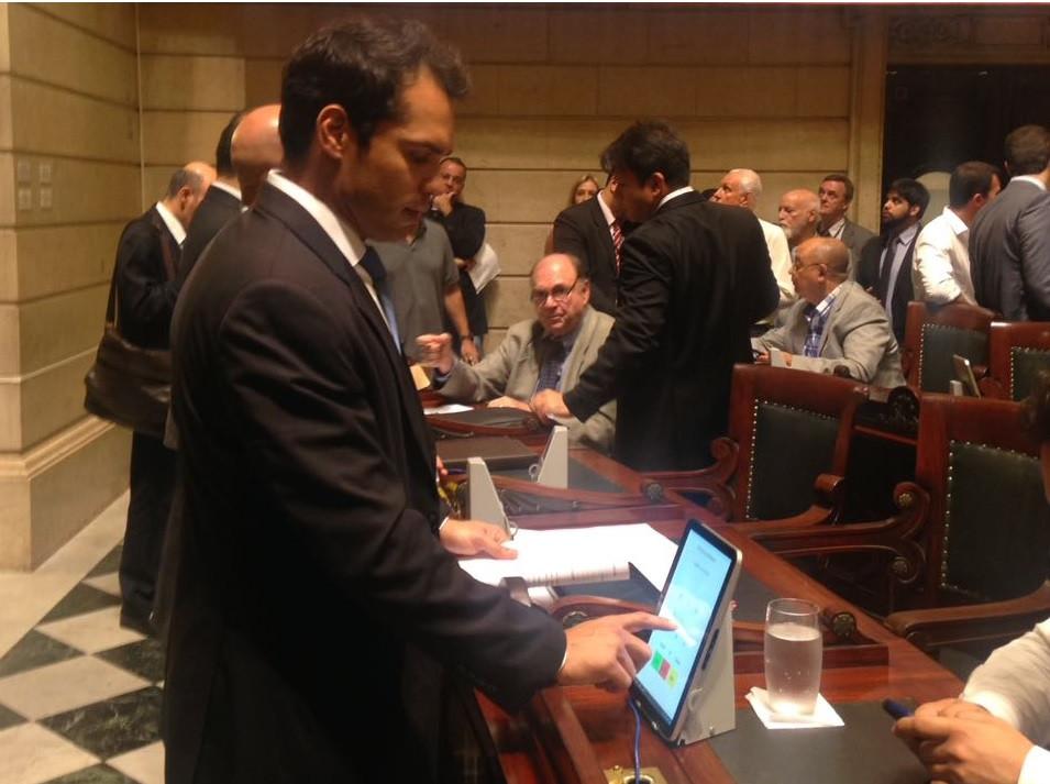 Vereador Thiago K. Ribeiro vota favorável à Lei Orçamentária para 2017
