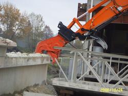 concrete pulverizer