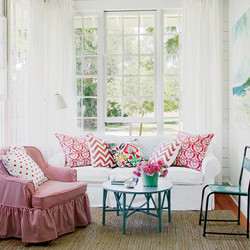 white-red-teal-cottage-living-room-happyshack_1114_04