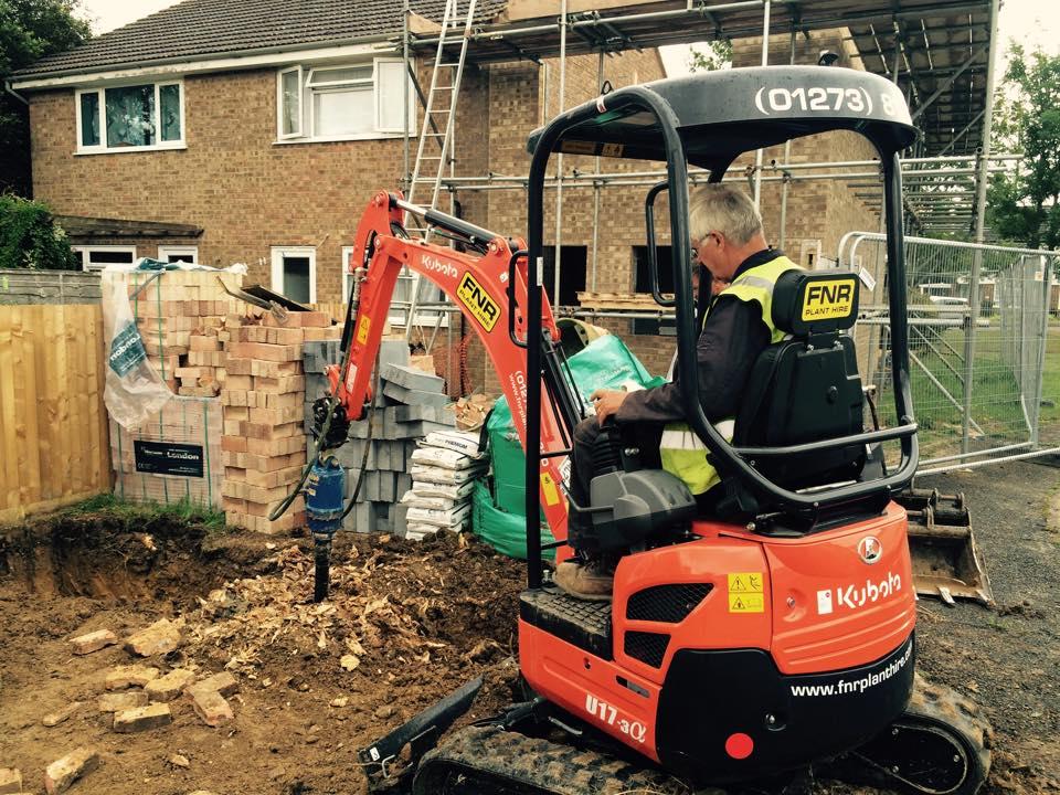 FNR 1.7T Excavator & Auger