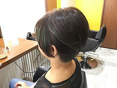 ura satsuki SHORT HAIR SINGAPORE HAIR CUT GREEN BLACK COLOR