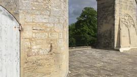 Vue de la seconde terrasse du château de Creully