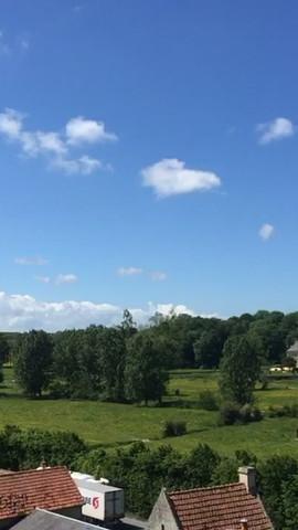 Vue depuis la terrasse du château de Creully