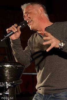 Michel chapakuai chanteur