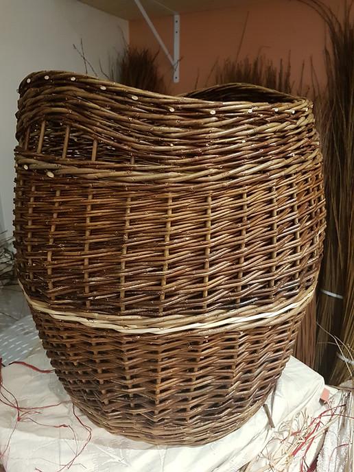 Barrel log basket