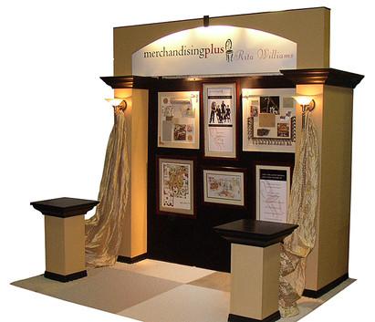 Merchandising Plus tradeshow display