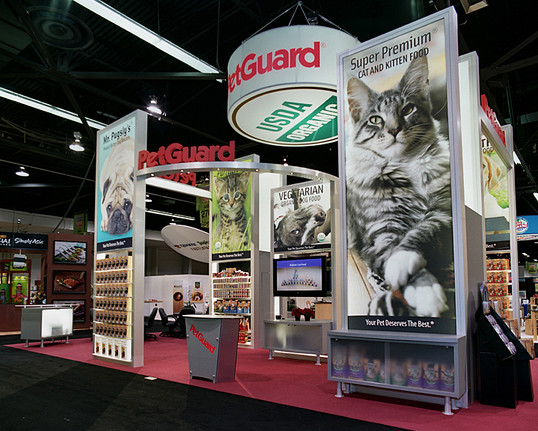 Trade show display for PetGuard design and built by Bill-O-Vizion