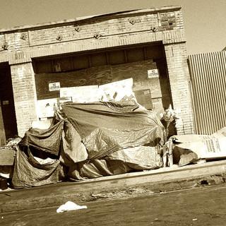 Pinata_Homeless_house.jpg