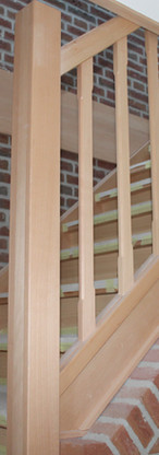 Eigentijdse houten trap Wouwse Plantage