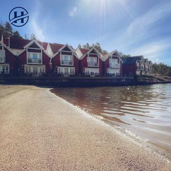 Holmsbu Resort - Sjøbod - Sandstrand.png