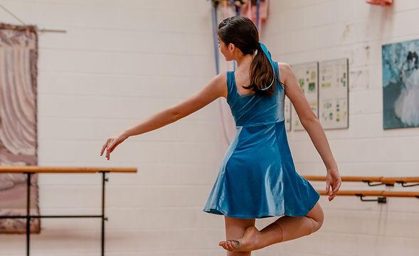 20201213_9_Howick Dance_Lover_DressRehearsal_RW-16_edited.jpg