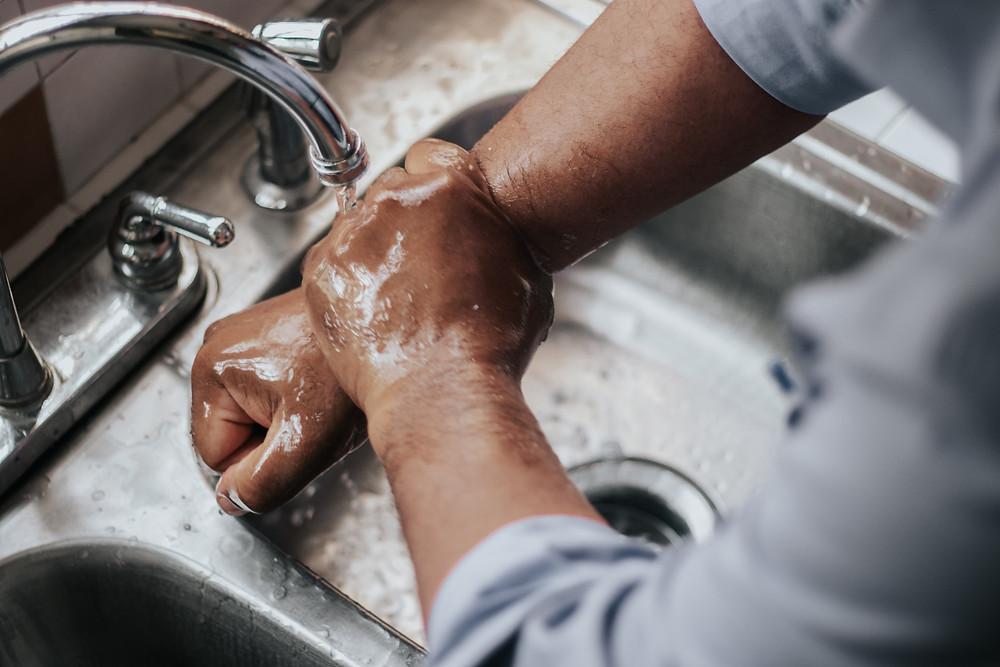 laver-mains-covid19-geste-barriere-pourquoi
