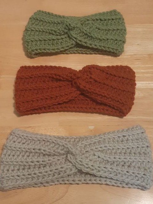 Twisted knot ear warmer
