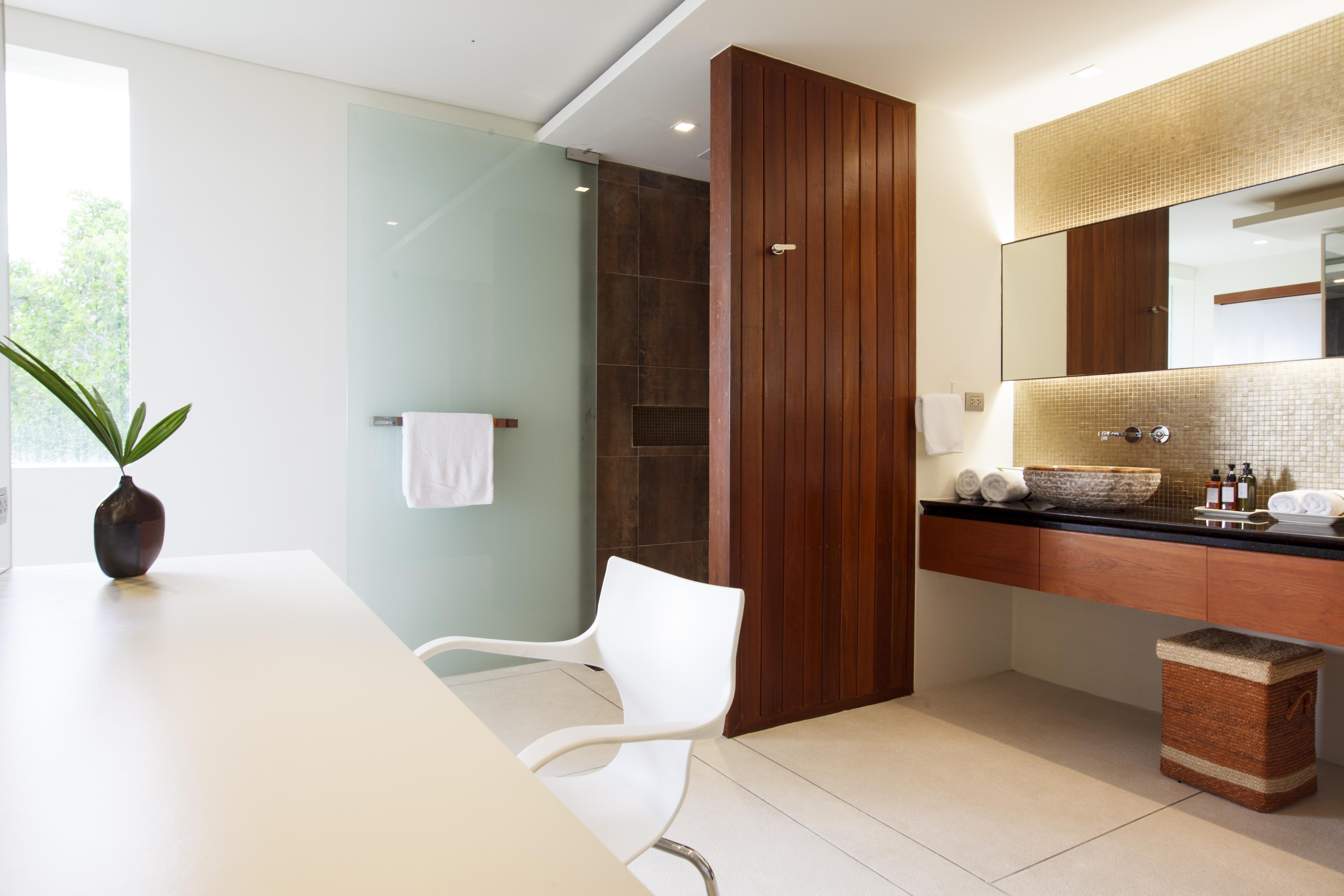 20120811-Bathroom 3-002