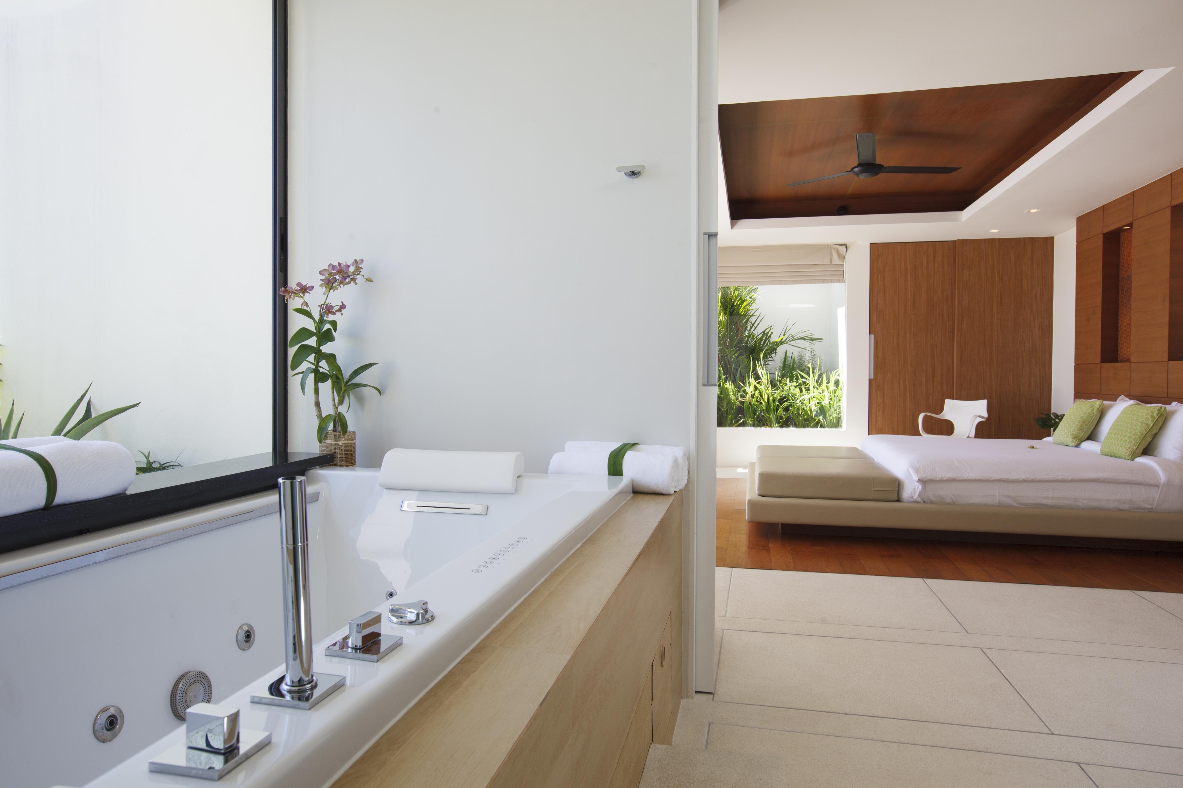20120812-Bathroom 2-001