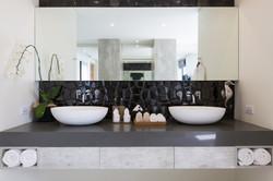 20160204-Bathroom_4-004