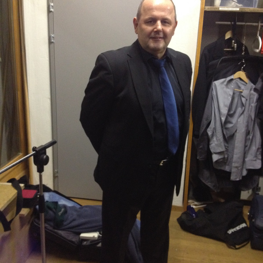 Hans Strasser ready for the stage!