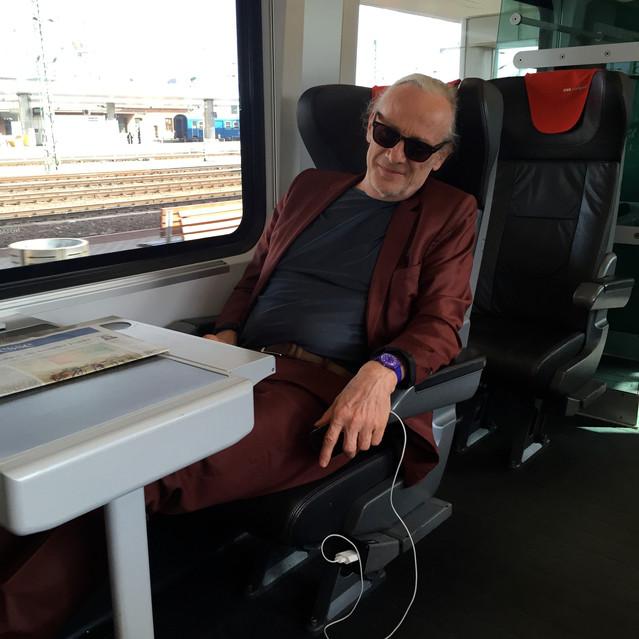 Mister rüegg looooves trains!!!