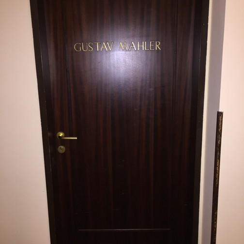 Was it really Mahler's room : )?