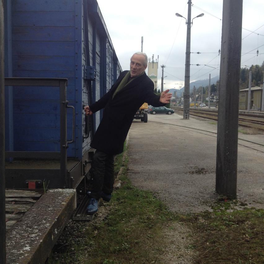 mathias loves this train : )