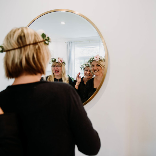 Flower crown workshop | Photo by Jenny Thompson Co