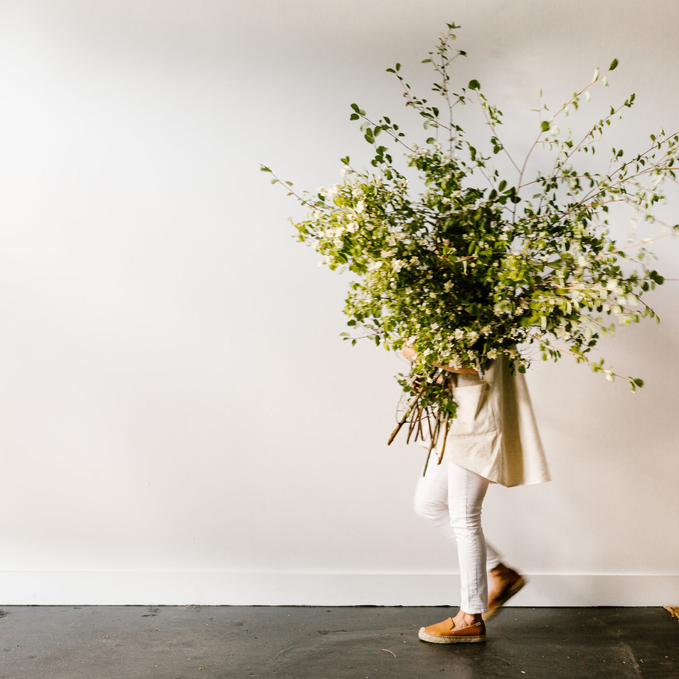 Foraged urn | Photo by Boketto Photography