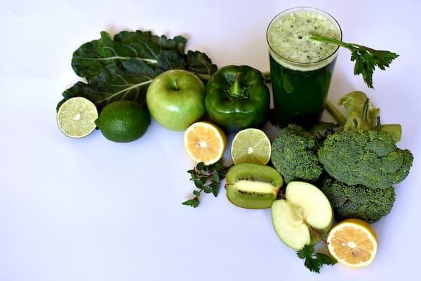 dieta alkalizująca, zielone jedzenie, przeciwzapalne