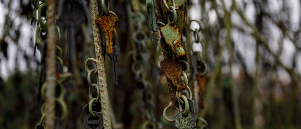 Escultura Sauce llorón llaves y ramas Re