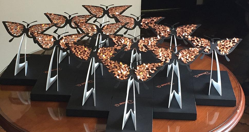 Esculturas trofeos Dionne G_edited.jpg