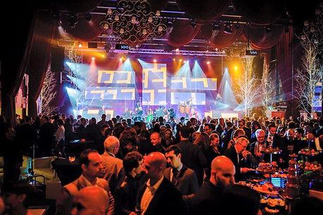 Events in der Schweiz, Feiern in Deutschland, Partys auf Mallorca - Wir haben die richtige Livemusik in Form von Livebands, Partybands ode Eventbands mit Sänger für Sie.