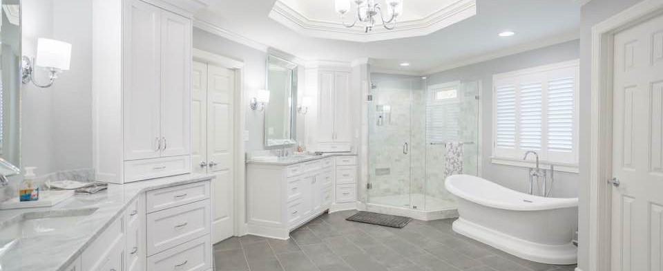 leo bathroom 6.JPG
