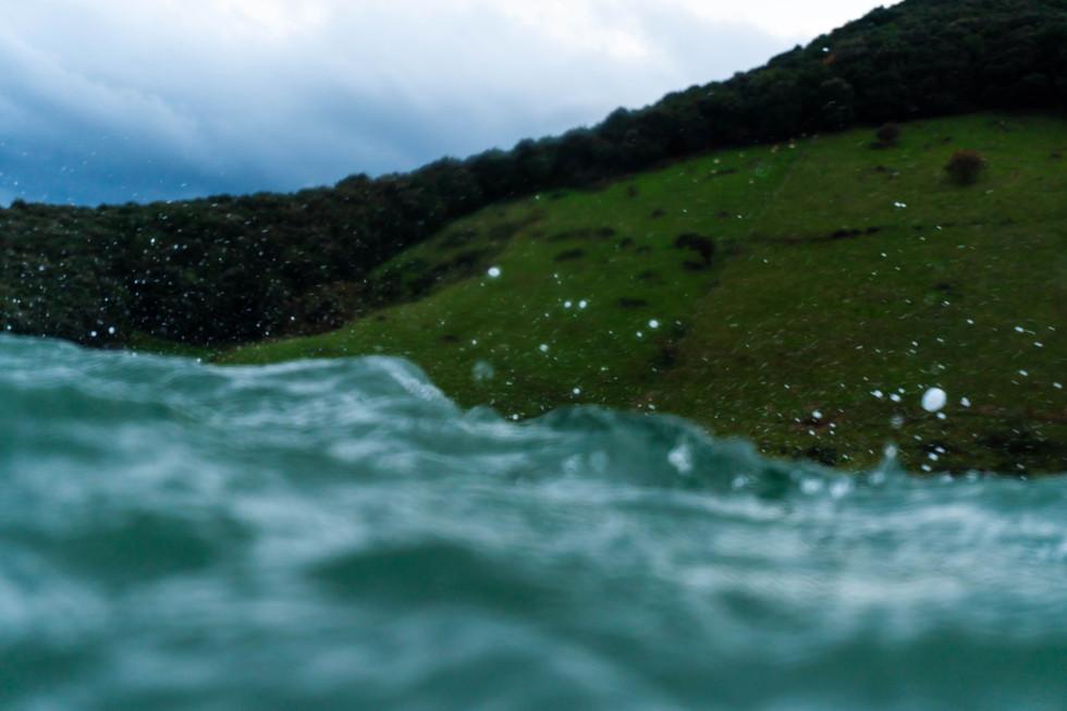 Photos: Antonio Bretones. Surfer: Ruben Abelenda. Location: Berria