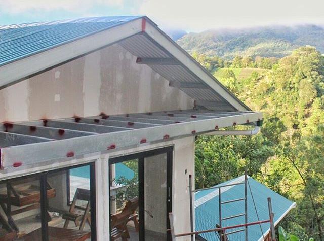 Cabaña Principal con ventanales