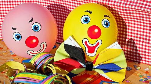 clowns-3084274_1920.jpg
