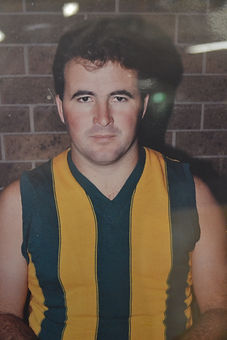 JONES ALLAN RE COACH 1990.JPG