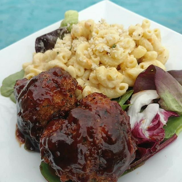 BBQ Cauli Bites w. Mac n Cheeze