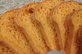 homemade bread, tomato basil