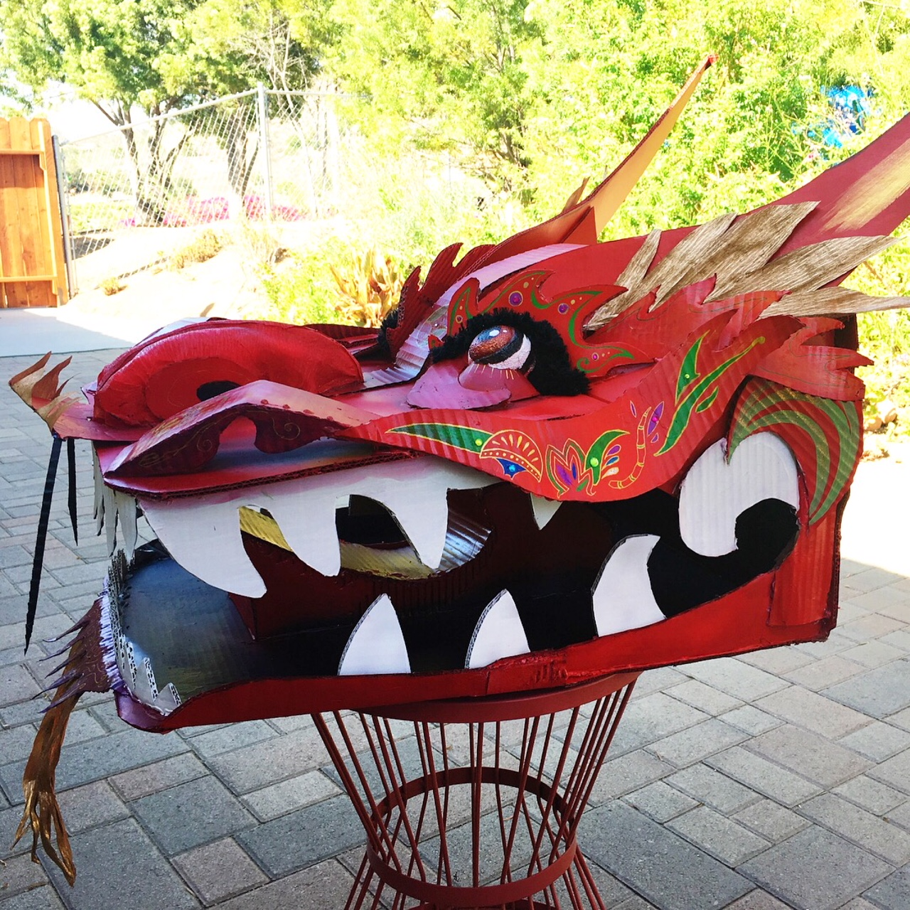 CHINESE DRAGON HEAD (side view)