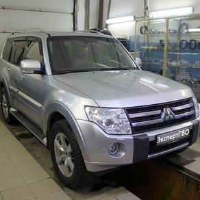 Mitsubishi Pajero (IV)  3.8 V6 250 л.с. 2006-2011