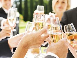 Bebidinhas para todos os gostos: como escolher o tipo ideal e não deixar faltar na sua festa!