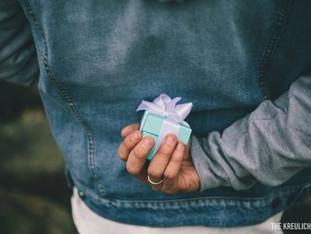 Especial para os noivos: como escolher o anel de noivado para a sua amada.