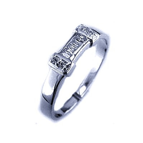 Seodra Sterling Silver & Cubic Zirconia Buckle Ring