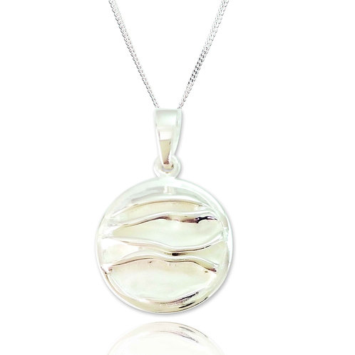 Seodra Sterling Silver Ruched Circle Necklace