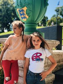 Сестры Алиса и Ксюша Яковлевы