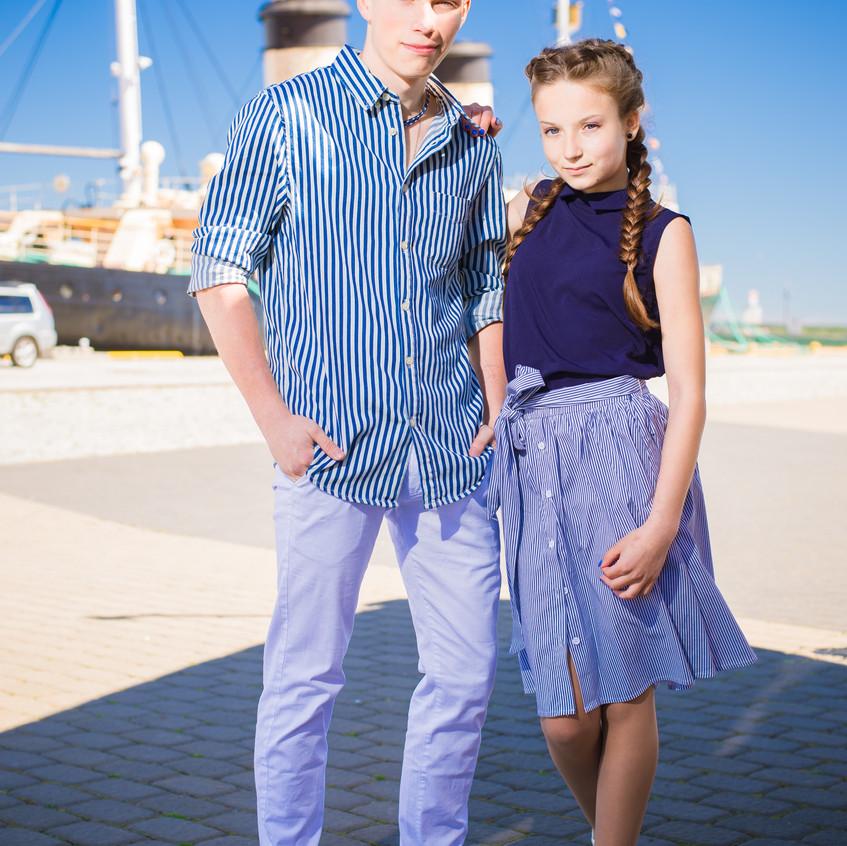 Редкое парное фото мальчика с девочкой =)